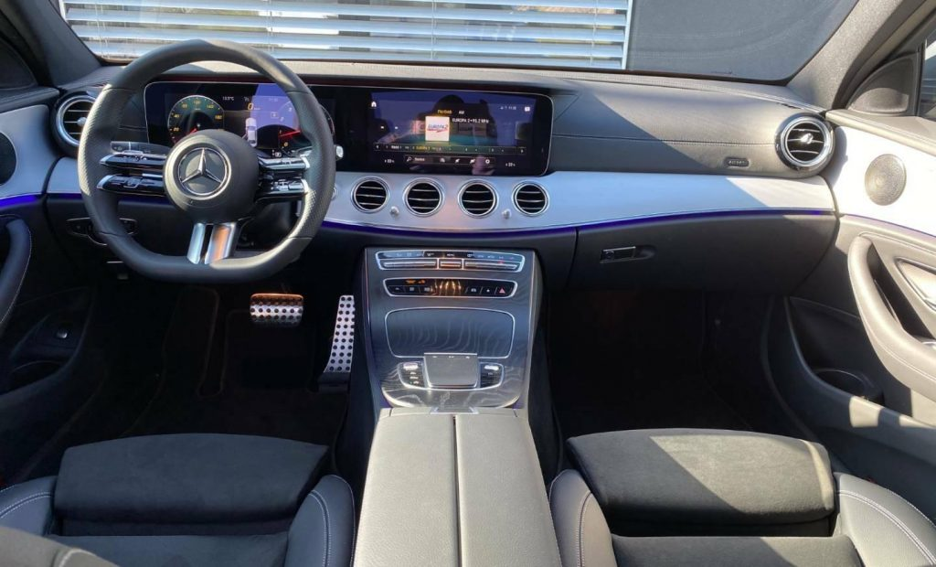 Mercedes-Benz E trieda Sedan 200